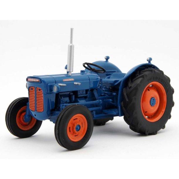 Fordson Super Dexta 1961 traktor 1/32 Legend Farmmodels/ Marge Models