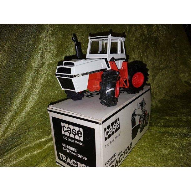 Case 4890 traktor 1/35 Conrad