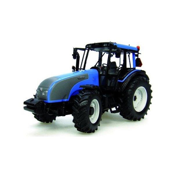 Valtra T lyseblå traktor 1/32 Uh Universal Hobbies
