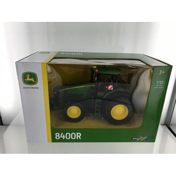 John Deere 8400R traktor 1/32 Britains