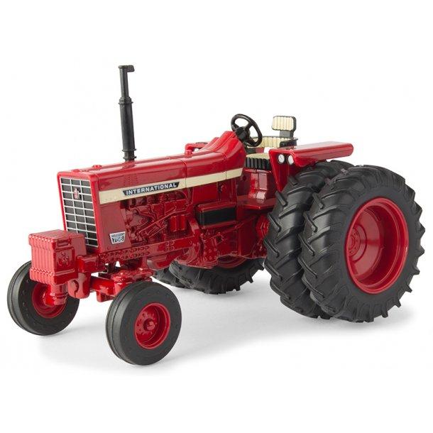 International Harverster IH 756 traktor med tvillinghjul 1/32 Ertl Britains