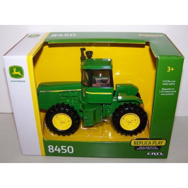 John Deere 8450 traktor 1/32 Ertl Britains