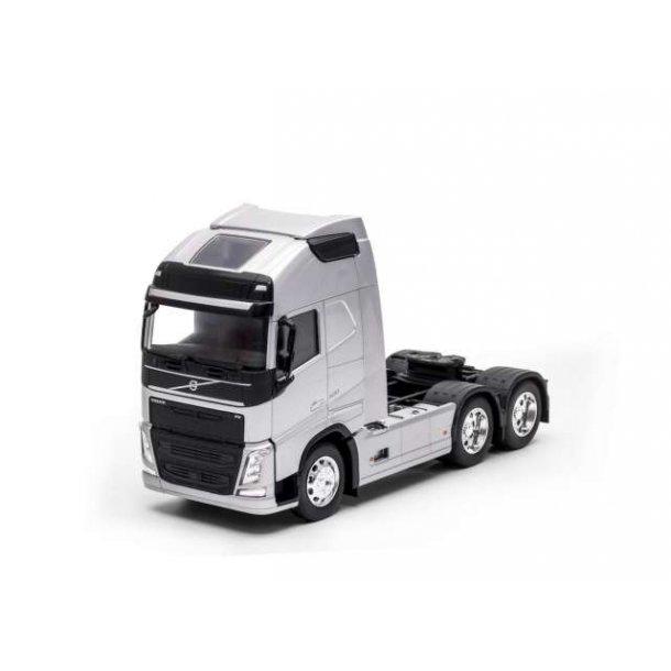 Volvo FH 3-akslet sølv lastbil 1/32 Welly