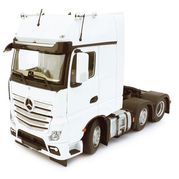 Mercedes-Benz Actros Gigaspace 6x2 hvid lastbil 1/32 Marge Models