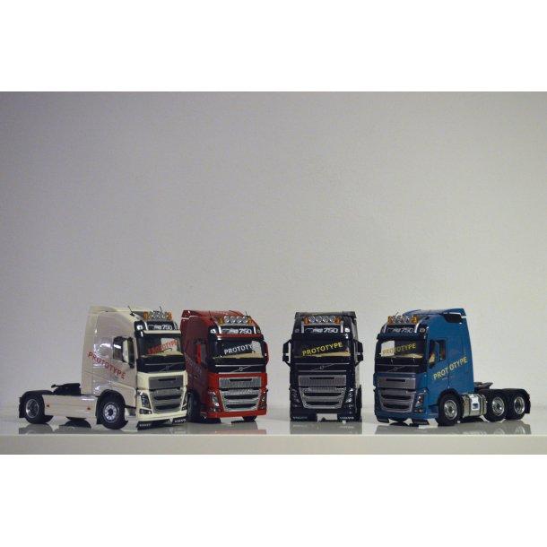 Volvo FH16 6x2 blå lastbil trækker 1/32 Marge Models