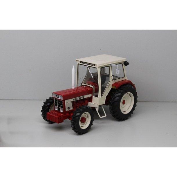 IH International 744 traktor 1/32 Replicagri