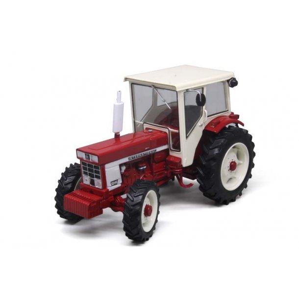 International IH 1246 m/hus traktor 1/32 Replicagri