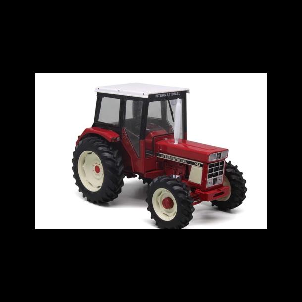 International IH 743 4wd traktor 1/32