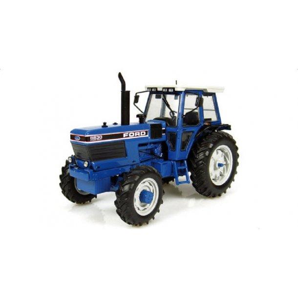 Ford 8830 Powershift traktor 1/32 Universal Hobbies