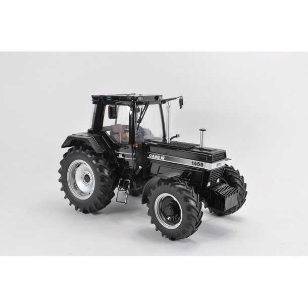 Case IH 1455 XL Black Edition - Limited Edition traktor 1/16 UH Universal Hobbies