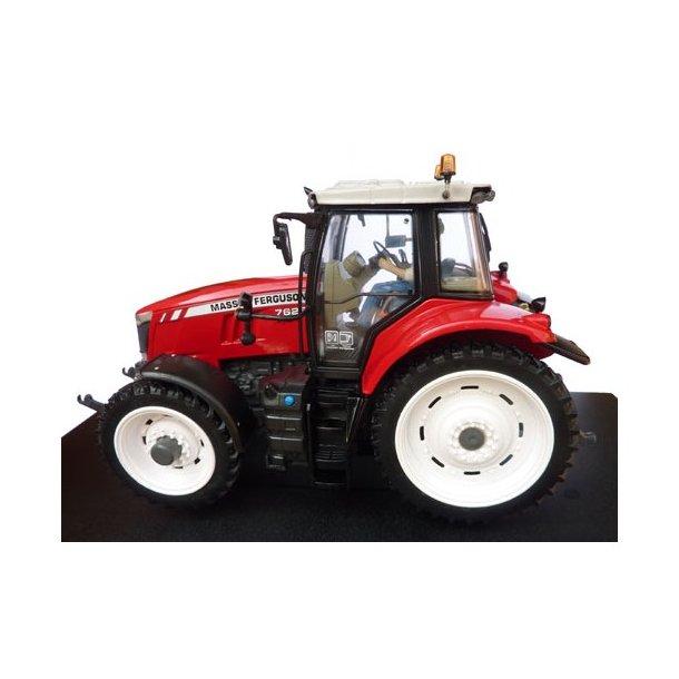 Massey Ferguson 7626 traktor med sprøjtehjul 1/32 UH Universal Hobbies