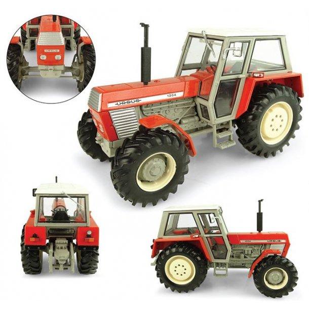 Ursus 1204 4wd traktor 1/32 UH Universal Hobbies