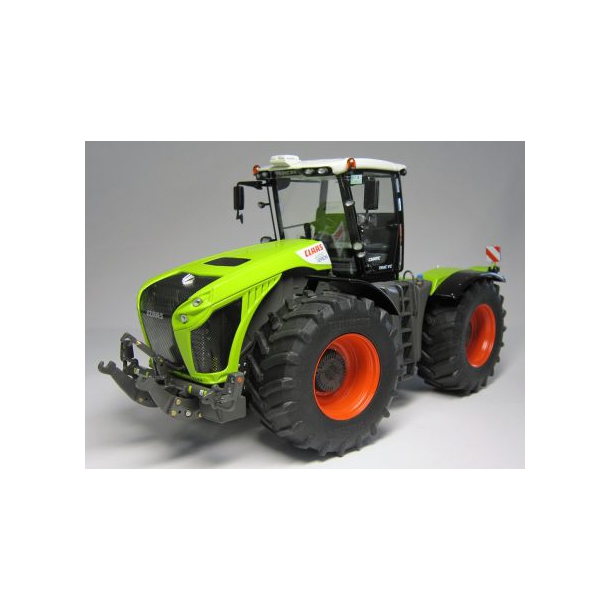Claas Xerion 4000 VC 1/32