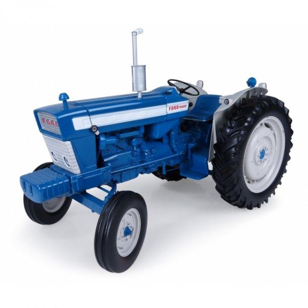 Ford 5000 traktor 1/16 UH Universal Hobbies