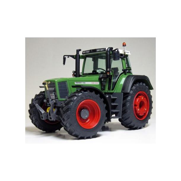 Fendt Favorit 926 Vario Gen.1 traktor 1/32